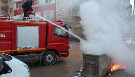 Çöp Kenteynerlerinin Kısa Sürede Söndürülmesi Faciayı Önledi