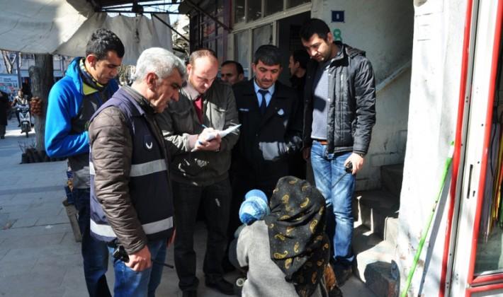 Dilenen Sığınmacıların Kamplara Gönderilecek
