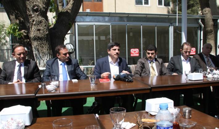 AK Parti Siirt Milletvekili Adayları Basınla Bir Araya Geldi