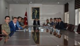 """SİYASİ PARTİ İL BAŞKANLARI İLE """"SEÇİM GÜVENLİĞİ"""" TOPLANTISI YAPILDI"""