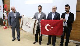 """Siirt'te """"Türkiye ve İslam Dünyasında Neler Oluyor"""" Konferansı"""