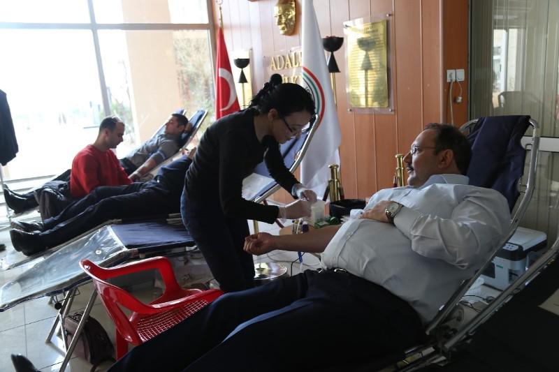 Siirt'te Adliye Personelinin Kan Bağışı