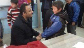 Siirt'te AK Partili Gençlerden Öğrencilere Kırtasiye Yardımı