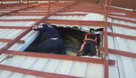 Siirt'te Öğrenci Yurdunun Çatısı Uçtu