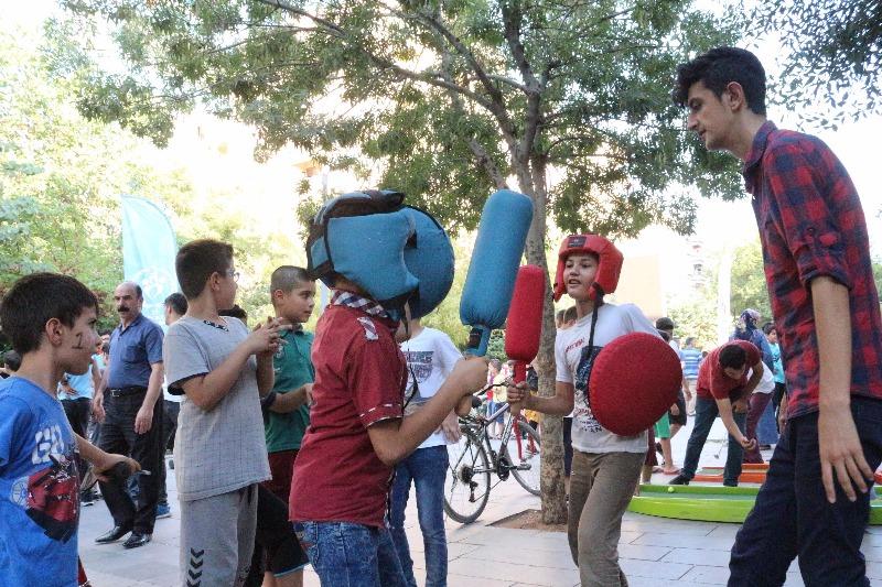 Siirt'te 'Mobil Gençlik Merkezi-3' Oluşturuldu