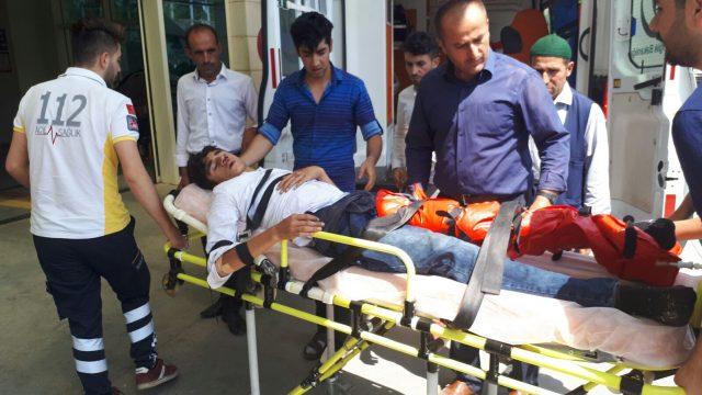 Pervari'de Trafik Kazası 4 Yaralı