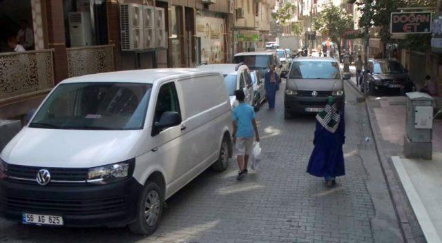 Minik Ahmet Minibüsün Altında Can Verdi