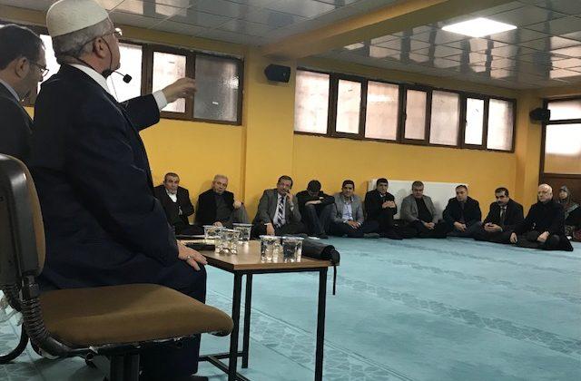 Siirt'li Umreci Adaylarına Seminer Verildi